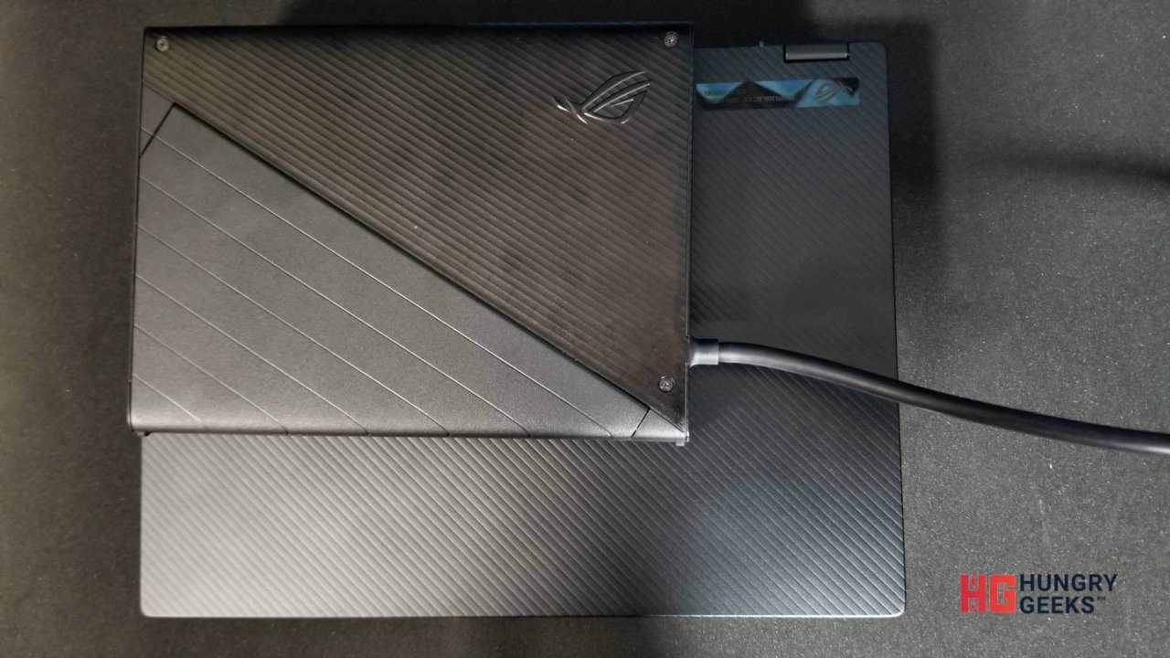 Size comparison of the XG Mobile and the ROG Flow X13